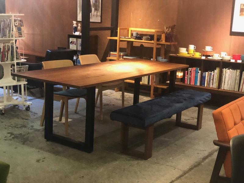 一生モノの無垢テーブル 「マスターウォールワイルドウッドダイニングテーブル」
